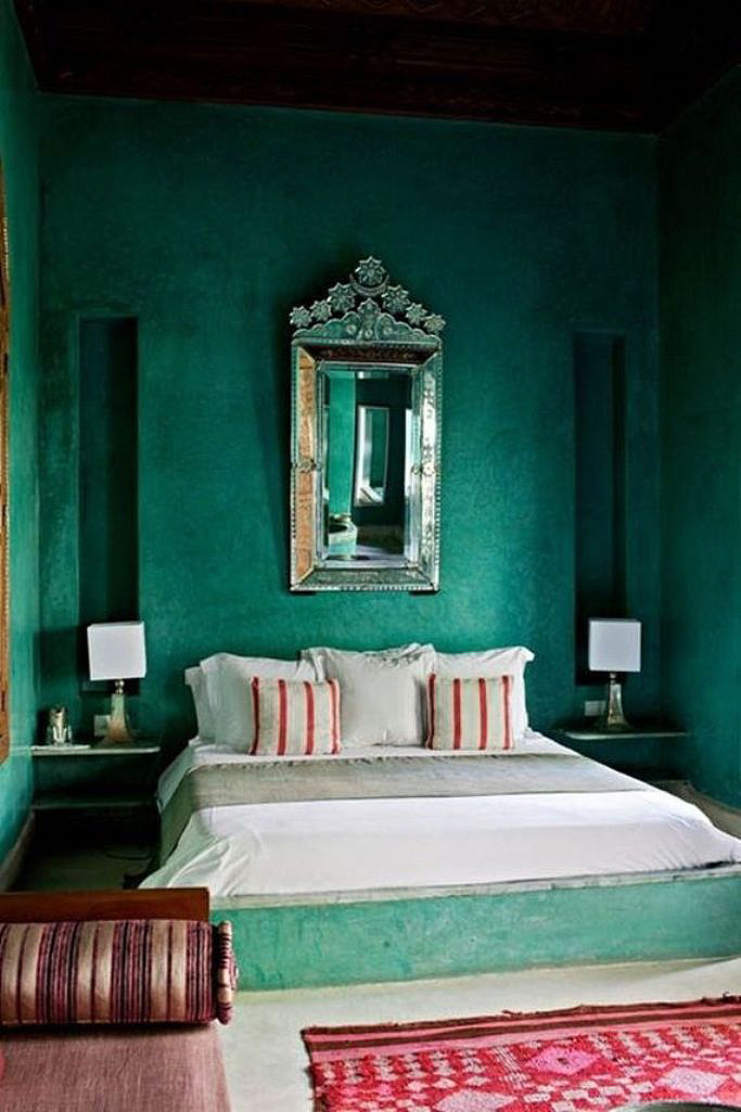 bold emerald green bedroom1